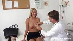 HornyDoctor – sexy česká pacientka souloží se svým doktorem při vyšetření